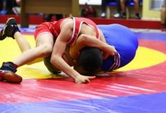 На турнире по греко-римской борьбе красноярскому подростку сломали предплечье