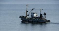 Крымские пограничники задержали украинское судно «Рыбак Херсона»