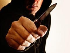 В Сочи водитель Toyota напал с ножом на инспекторов ДПС
