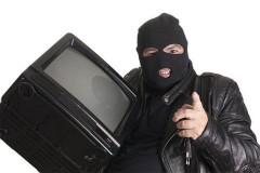 На Кубани мужчина украл телевизор у 76-летней пенсионерки