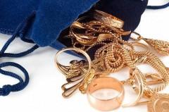 В Пятигорске подозреваемый в краже драгоценностей на 470 тысяч рублей