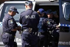 В Австрии нeизвестный захватил заложников и банк