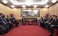 Владимир Путин во время визита в Китай провел встречу с Премьер-министром Греции Алексисом Ципрасом