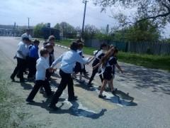 В Успенском районе Кубани полицейские провели блиц-уроки по ПДД