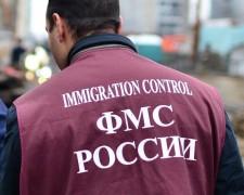 Жительница Кубани за деньги зарегистрировала у себя дома троих граждан Армении