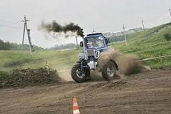 На Дону состоялся юбилейный турнир по тракторному многоборью «Бизон Трек-Шоу»