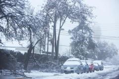 На Сантьяго обрушился сильнейший снегопад, 350 тысяч домов остались без света
