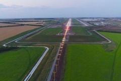 На взлетно-посадочной полосе АК «Платов» в Ростове завершены пуско-наладочные работы светосигнального оборудования