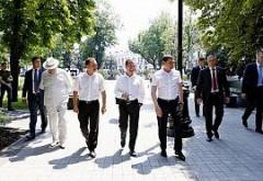 Дмитрий Медведев посетил сквер Дружбы народов в Краснодаре