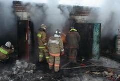 По факту возгорания гаража в Городовиковске проводится проверка