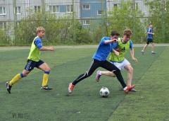 Самые юные участники кубанского турнира по футболу возвращаются во дворы
