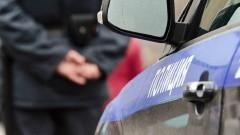 В Тыве мужчина пырнул ножом полицейского в его служебном автомобиле