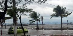 Наводнения во Вьетнаме: погибли 23 человека, 16 пропали без вести