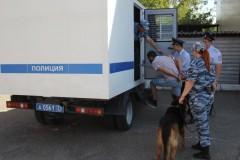 В Краснодаре прошли полицейские учения на отработку действий при конвоировании преступников