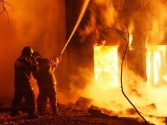 В Иркутской области при пожаре в жилом доме погибли 4 человека