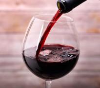 Житель Кубани украл серебряные украшения и 2 бутылки вина