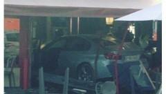 В пригороде Парижа BMW протаранил пиццерию