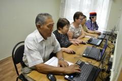 Пенсионеры Калмыкии бесплатно изучают компьютер с «Ростелекомом»