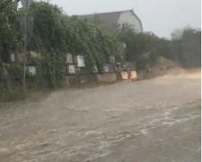 В Сочи из-за сильного ливня пришлось эвакуировать около 30 человек