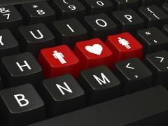 Исследование показало, часто ли знакомства в интернете перетекают в личные встречи