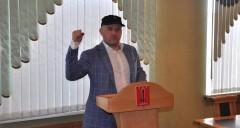 Эдуард Маршанкулов начал борьбу с поборами в школах Черкесска
