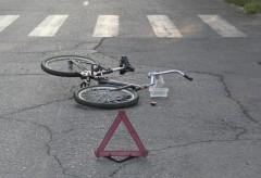 В Адыгее полиция просит содействия в розыске водителя, сбившего 13-летнюю велосипедистку