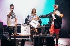 Tele2 поддержала в Сочи фестиваль серфинга по другим правилам