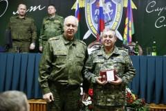 Александр Бастрыкин вручил ведомственную награду главному следователю Калмыкии