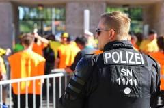 В Швейцарии 17-летний латыш напал на прохожих с топором