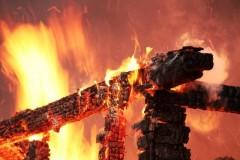 В Свердловской области расследуется гибель при пожаре четырех человек