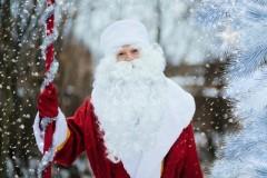 В Абинске полицейский Дед Мороз поздравил детей с Новым годом