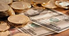 В начале дня рубль рос на 2 коп к доллару и на 11 коп к евро