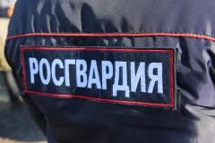В кубанской станице Калининской сотрудники Росгвардии задержали двух грабителей в магазине