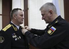 Командующий Черноморским флотом вручил госнаграды офицерам