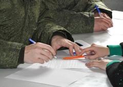На Северном Кавказе на 20% возросло число желающих служить по контракту
