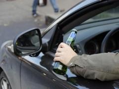 В Калмыкии пьяный водитель пытался дать взятку сотруднику Госавтоинспекции