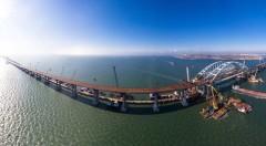 МЭР: К декабрю откроют движение по мосту в Крым