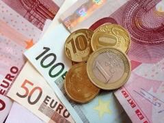 Впервые с 4 августа 2016 года евро превысил 74 рубля