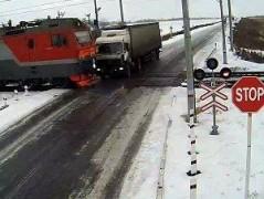 В Югре осужден водитель грузовика, допустивший столкновение с поездом
