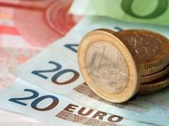 Впервые с 11 апреля курс евро превысил 79 рублей