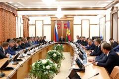 Губернатор Вениамин Кондратьев обсудил развитие отрасли с работниками дорожного хозяйства