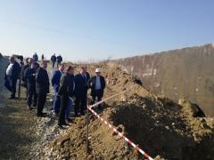 Вице-губернатор Сергей Болдин проинспектировал стройку берегоукрепительных сооружений в Крымском районе