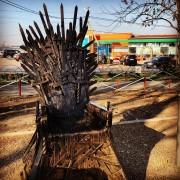 Трон из «Игры престолов» установили в Ставрополе