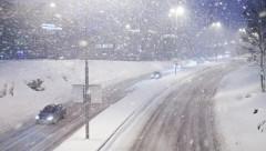 На Дону снегопад привел к затруднению движения автотранспорта