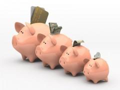 Жителям Юга посоветовали хранить сбережения в нескольких валютах