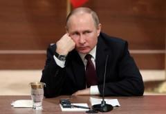 Опрос: 61% россиян назвал Путина ответственным за проблемы России
