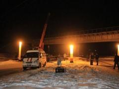 В Донецке подорвана опора железнодорожного моста