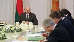 Лукашенко призвал скорее закончить конфликт в Донбассе
