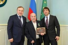 Первому олимпийскому чемпиону Адыгеи вручили высшую награду республики