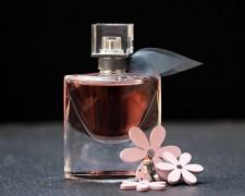 В Анапе завели дело на продавца контрафактной парфюмерии